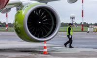 """""""Air Baltic"""" atnaujina skrydžius iš Rygos į Helsinkį, Miuncheną ir Berlyną"""