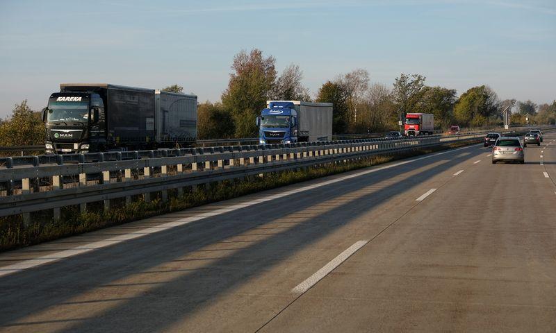 Čekijoje vežėjai galės pasinaudoti kelių mokesčio mokėjimo atidėjimu. Vladimiro Ivanovo (VŽ) nuotr.