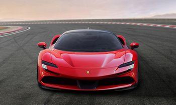 """Abejingumą elektrai demonstruojanti """"Ferrari"""" rizikuoja arba gudrauja"""