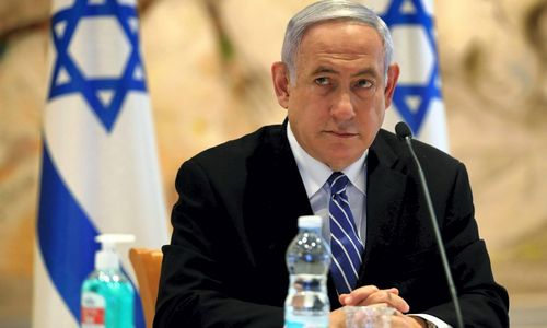 Izraelio teismas pradeda nagrinėti premjero korupcijos bylą