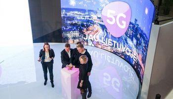 """""""Tele2"""" ir """"Telia"""" skelbia apie 5G startą Švedijoje, nors dažnių aukciono dar nebuvo"""