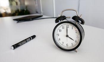 Mokslininkai: miegoti – 8 valandas, į darbą – nuo 10-tos