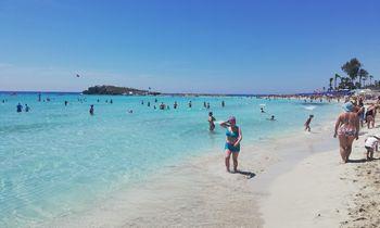 Kipras padengs turistų išlaidas, jei atostogų metu jiems bus aptiktas koronavirusas