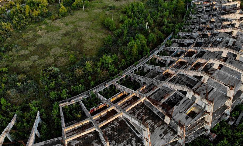 Nebaigtas statyti Nacionalinis stadionas Vilniuje, Šeškinės mikrorajone. Suprojektuotas 1985 metais. Vladimiro Ivanovo (VŽ) nuotr.