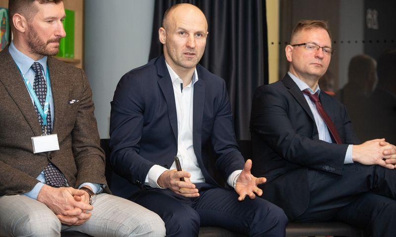 """Pranas Kuisys, UAB """"Bitė Lietuva"""" vykdomasis direktorius (viduryje). Vladimiro Ivanovo (VŽ) nuotr."""