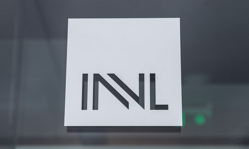"""""""Invalda INVL"""" darbuotojams – proga pasiimti 3.250% pelną"""