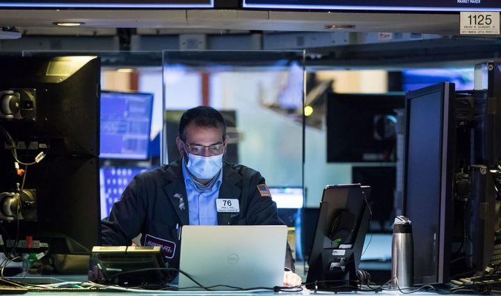 Gegužė pratęsė akcijų spurtą: kitas egzaminas – antrojo ketvirčio rezultatai