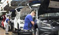 """Vokietijos verslas rengiasi """"V"""" formos atsigavimui, antros viruso bangos nelaukia"""
