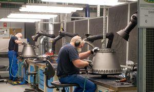 """Bijodama prarasti tiekėjus """"Boeing"""" vėl paleidžia """"737 MAX"""" gamybą"""