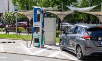 Vilniuje įjungta galingiausia Baltijos šalyse elektromobilių įkrovimo stotelė
