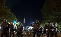 """ProtestamsJAV tęsiantis, prezidentas ragina vietos valdžią """"elgtis kiečiau"""""""