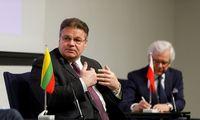 Lenkija netrukus tikisi atšaukti draudimą atvykti kaimynams