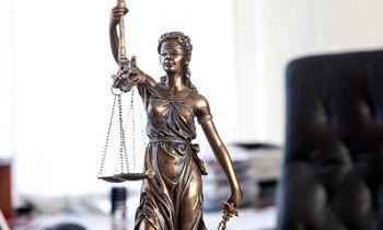 Advokatūra vadina pertekliniu M. Zalatoriaus ir V. Sutkaus sulaikymą