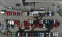 Yra iniciatyva atidėti automobilių mokestį, bet jiskęsta politinėje migloje