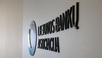 LBA valdyboje dirbantys bankų vadovai atsitvėrė tylos siena