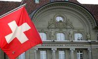 Šveicarija pirmąjį metų ketvirtį patyrė rekordinį ekonominį nuosmukį