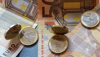 Darbo užmokesčio atotrūkis tarp šalies regionų – 298 Eur