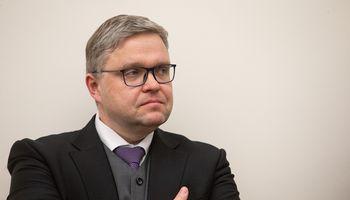 ECB: Seimas negali sumažinti V. Vasiliausko atlyginimo
