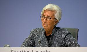 ECB pandeminę obligacijų supirkimo programą padidino iki 1,35 trln. Eur