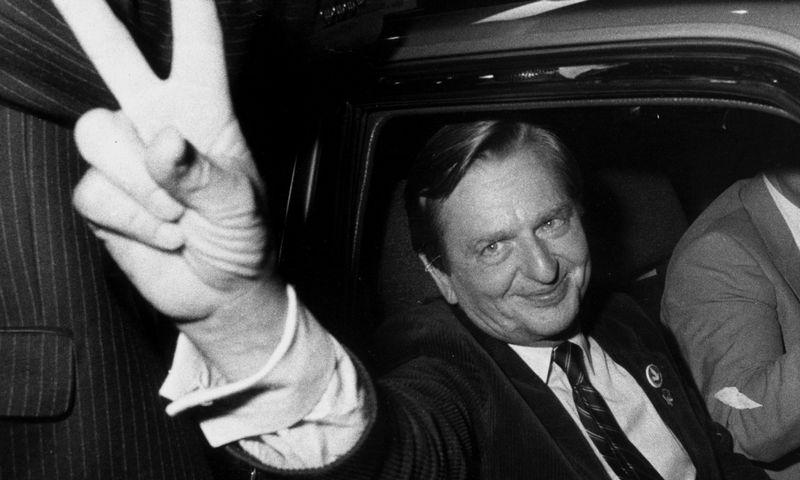 """O Palme apibūdinamas kaip charizmatiškas lyderis, kuris aktyviai reiškė nuomonę ir vidaus, ir tarptautinės politikos klausimais. Bertil Ericson (""""Reuters"""" / """"Scanpix"""") nuotr."""