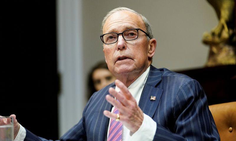 "Larry'is Kudlowas, JAV prezidento patarėjas ekonomikos klausimais. Kevino Lamarque (""Reuters"" / ""Scanpix"") nuotr."