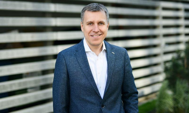 """""""Tai, kiek stengiamasi, kad naudojamos technologijos būtų kuo žalesnės, tvaresnės ir efektyvesnės, parodo bendrovės brandą ir požiūrį į atsakomybę"""", – teigia Andrius Šemeškevičius,  """"Telia Lietuvos"""" technologijų vadovas."""