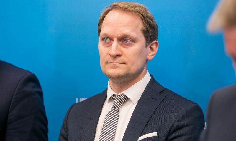 """Gytis Mažeika, susisiekimo viceministras, tvirtina, kad Lietuva sugebės laiku įvykdyti projektą. Juliaus Kalinsko (""""15min.lt"""") nuotr."""
