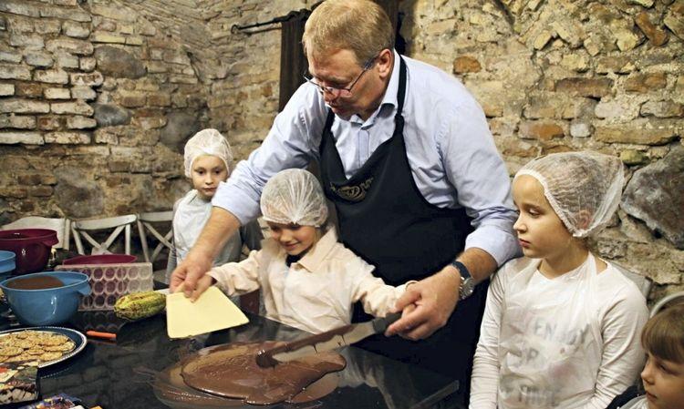 """""""AJ šokoladas"""" įkūrėjas Algimantas Jablonskas džiaugiasi, kad verslas pamažu atsigauna"""
