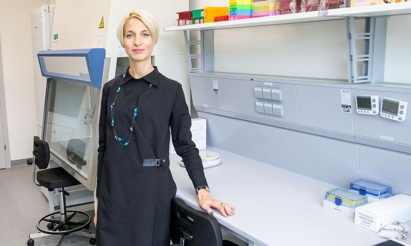 """Dr. Monika Baškytė, CRISPR technologija paremtus molekulinius įrankius vystančio startuolio """"CasZyme"""" vadovė ir viena įkūrėjų. Vladimiro Ivanovo (VŽ) nuotr."""