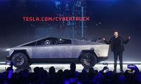 """""""Cybertruck"""" jau atnešė """"Teslai"""" mažiausiai 65 mln. USD, potencialas – 8 mlrd. USD"""