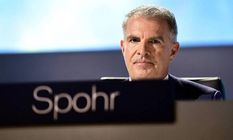 """Anot Carsteno Spohro, """"Lufthansos"""" CEO, atleidimų pavyktų išvengti, jei visi darbuotojai sutiktų nusikirpti atlyginimus ir dirbti trumpiau. """"Scanpix"""" nuotr."""