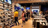 Batų pardavėjai: jauni pirkėjai grįžta greičiau