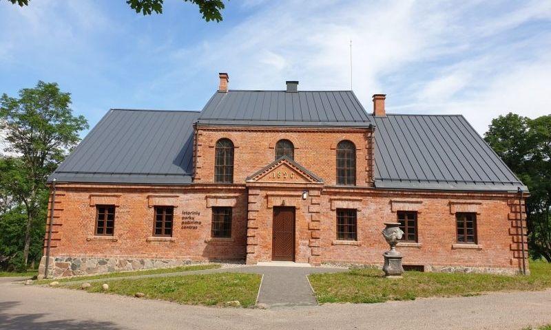Istorinių parkų pažinimo centras Užutrakyje. Trakų istorinio nacionalinio parko direkcijos nuotr.