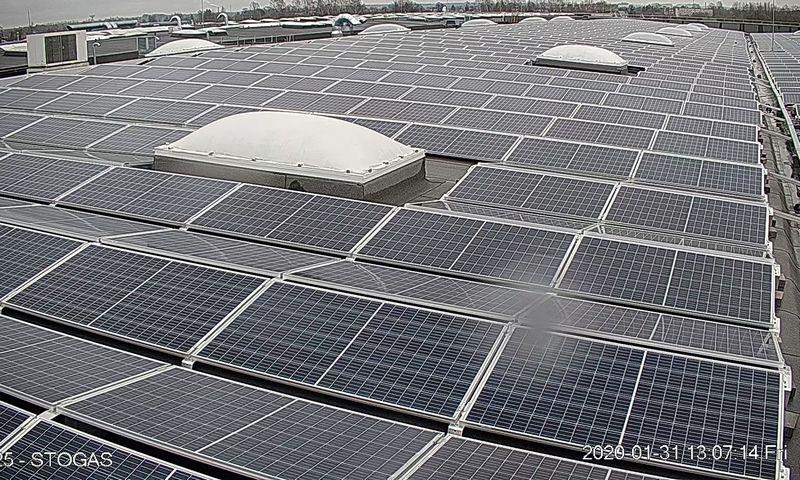 """Saulės jėgainė ant """"Narbuto"""" fabriko stogo. Įmonės nuotr."""