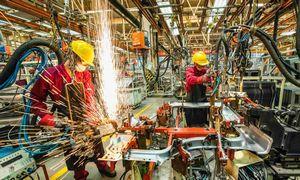 Gamyba Kinijoje įsivažiuoja, bet nusilpęs eksportas augina nedarbą