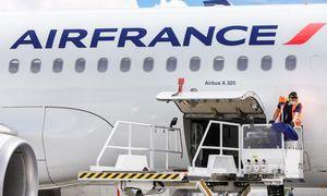 """""""Air France-KLM"""" atleis daugiau kaip 7.500 darbuotojų"""