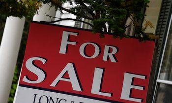 """""""Moody's"""" ekonomistas: būsto rinka JAV atvės vėliau šiais metais"""