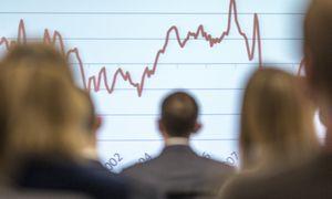EK Lietuvai prognozuoja kuklesnį kritimą 2020 m.,euro zona panirs giliau
