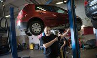 Statybininkaiir automobilių servisųvadovai: pagaliau mūsų svajonė pildosi