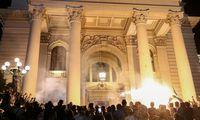 Serbijojeprotestas priešnaują karantiną virto susirėmimu su policija
