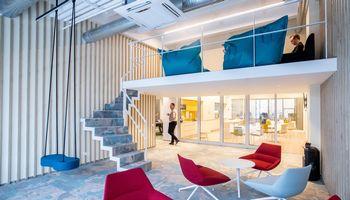 Atviro tipo biurų eros pabaiga: madų vaikymasis negarantuoja efektyvumo