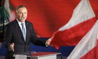 Lenkijos politika – kryžkelėje