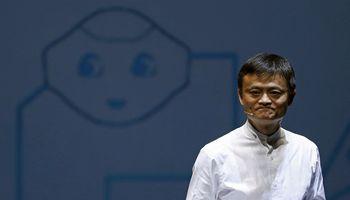 """""""Alibaba"""" įkūrėjas J. Ma pardavė akcijų už 8,2 mlrd. USD"""