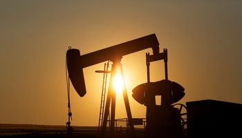 Nafta pinga rinkai laukiant OPEC+ posėdžio