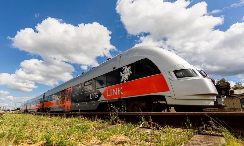 """Dabar """"LG Keleiviams"""" naudojamas dyzelinis traukinys. Įmonės nuotr."""