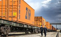 Kinijos eksportas ir importas birželį netikėtai šoktelėjo į viršų