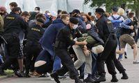 Baltarusija: opozicijos protestuotojams gresia baudžiamieji kaltinimai