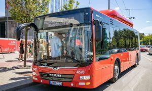 Vilniuje pasirodė pirmieji iš 50 naujų, dujomis varomų autobusų