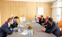 """Derybose BriuselyjeES """"taupieji"""" spaudžia karpyti ūkio gaivinimo fondą"""