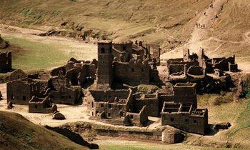 Po vandeniu esantis Italijos viduramžių kaimas iškils į paviršių